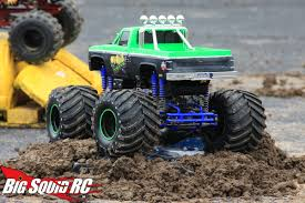 Toy Trucks: Toy Trucks Mud Bogging