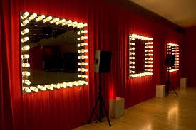 dressing room light bulb mirror decorin