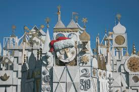 Plutos Christmas Tree Dvd by It U0027s Beginning To Look A Lot Like Christmas At Disneyland Resort