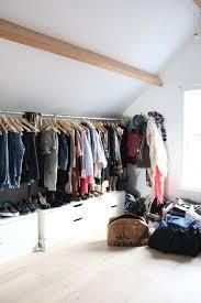 schlafzimmer schrank ideen kleiderschrank für dachschräge