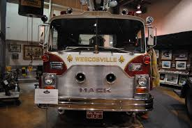100 Mack Trucks Macungie File 1974 Model CF685F Fire Truckjpg Wikimedia Commons
