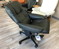 Stressless Wing Medium Reclining Chair Ottoman With Signature Base