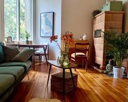 schöner dielenboden in neuköllner wohnzimmer wohnen
