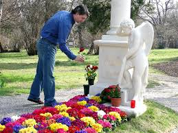 ideas for graveside decorations flowers and statues for gravesite decoration ideas