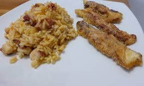 cuisine avec du riz de poulpe avec du riz du même