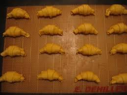 mini croissants minute au fromage chez requia cuisine et