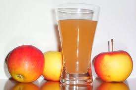 Slow Draining Bathroom Sink Vinegar by 5 Ways To Use Apple Cider Vinegar In The Bathroom One Green Planet
