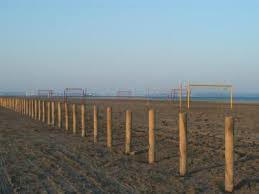 plage napoléon lieu de loisirs à port louis du rhône