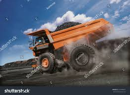 100 Large Dump Trucks Pit Mine Truck Stock Photo Edit Now 514340674