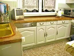 repeindre un meuble de cuisine peinture pour repeindre meuble en bois comment peindre un meuble