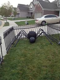 Halloween Graveyard Fence Decoration the truth about diy grave yard fencing closer to lola