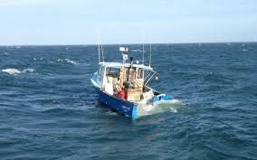 Wicked Tuna Dave Boat Sinks by Three Fishermen Rescued From Sinking 41 Foot Commercial F V Robert