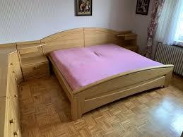 komplettes schlafzimmer bett kommoden nachttische kleiderschrank