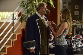 Halloween 3 Awesomeland Cast by Modern Family U0027 Season 6 6 Spoilers Dunphys To Celebrate