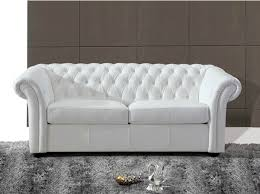 canapé chesterfield cuir blanc le canapé chesterfield blanc diy relooking mobilier créer ma déco