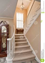 tapis descalier contemporain carrelage design escalier 10 tapis