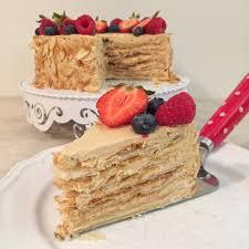 olles himmelsglitzerdings napoleon torte mit beeren