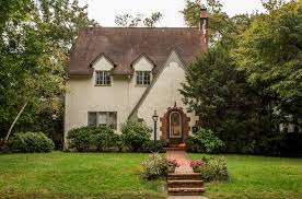 100 Sleepy Hollow House On The Market In The New York Region The New York Times