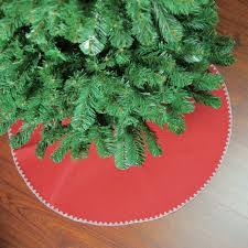 26 Red With White Shell Stitching Mini Christmas Tree Skirt