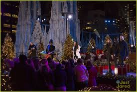 Rockefeller Christmas Tree Lighting 2017 by Pentatonix Perform U0027let It Snow U0027 At Rockefeller Christmas Tree