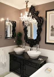 Mini Chandelier Over Bathtub by Best 25 Gothic Bathroom Ideas On Pinterest Condiment Sets