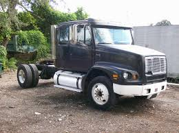 100 Truck Sleeper Cab Single Axle Freightliner Single Axle S