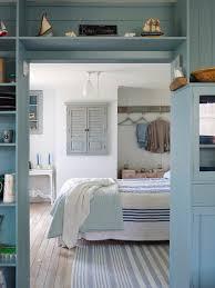 blick ins schlafzimmer in griechischem bild kaufen