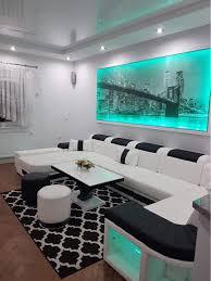 das moderne wohnzimmer unseres kunden erstrahlt dank