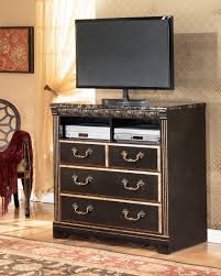 Bostwick Shoals Chest Of Drawers by Creek Mansion Bedroom Set