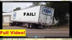 Truck Driver Epic Fail Tow Service Trucker In Action (18 Wheeler ...