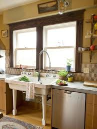 18 Farmhouse Sinks Go Deeper Into The Cottage Or Country Style By Including