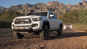 2019 Toyota Tacoma TRD Pro First Drive: Shocking Development - Motor ...