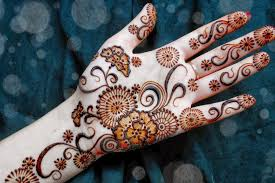 Karva Chauth 2015 Latest Mehndi Design Images 25 Beautiful Mehndi Designs For Beginners That You Can Try At Home Easy For Beginners Kids Dulhan Women Girl 2016 How To Apply Henna Step By Tutorial Simple Arabic By 9 Top 101 2017 New Style Design Tutorials Video Amazing Designsindian Eid Festival Selected Back Hands Nicheone Adsensia Themes Demo Interior Decorating Pictures Simple Arabic Mehndi Kids 1000 Mehandi Desings Images