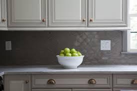 grey kitchen cabinets backsplash quicua