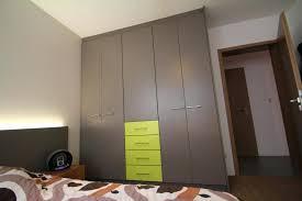 modèles de placards de chambre à coucher placards chambre placard portes battantes tiroirs bi couleur lynium