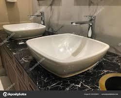 romantische moderne wasserhahn und waschbecken luxus