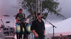 Lee Brice Performing