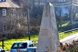 dresden kriegsopfer obelisk in nickern bekommt erklär stele