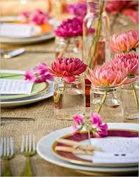 Simple Floral Centerpieces The Bright Flowers Of Spring Can Enliven Your Table And Become A Perfect Centerpiece At Same Time