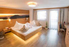 4 schlafzimmer penthouse ferienwohnung im zentrum