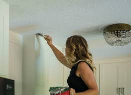 Scraping Popcorn Ceiling Off by Remodelaholic How To Apply Knockdown Ceiling Texture