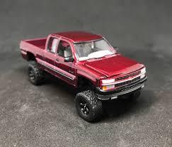 100 Chevy Trucks 4x4 1999 Silverado Lifted Custom 164 Diecast 4WD Z71 Truck