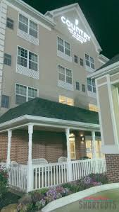 Feel Right at Home at Country Inn & Suites in Bowling Green KY