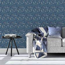 blumentapete in the air für frühlings gefühle in blau design tapete für wohnzimmer
