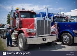Peterbilt Stock Photos & Peterbilt Stock Images - Alamy Peterbilt Wallpapers 63 Background Pictures Paccar Financial Offer Complimentary Extended Warranty On 2007 387 Brand New Pinterest Kennhfish1997peterbilt379 Iowa 80 Truckstop Inventory Of Sioux Falls Big Rigs Truck Graphics Lettering Horst Signs Pa Stereo Kenworth Freightliner Intertional Rig 2018 337 Stepside Classic 337air Brakeair Ride Midwest Cervus Equipment Heavy Duty Trucks Peterbilt 379 Exhd Truck Update V100 American Simulator