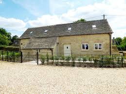 100 Barn Conversions For Sale In Gloucestershire Manor Farm Yard Ampney St Mary Cirencester 4