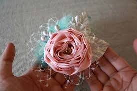 H28 Fabric Flower Rose On Fascinator Base STEP 16