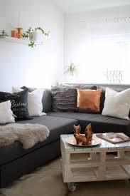 wohnzimmer deko grau rosa caseconrad
