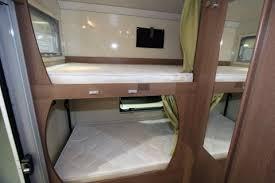 des lits superposés à bord du cing car témoignages