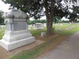 Dont You Just Love Strolling Through Cemeteries Near Halloween Woodlawn Cemetery Claremore Does Not Disappoint It Is A Peaceful Place Filled With